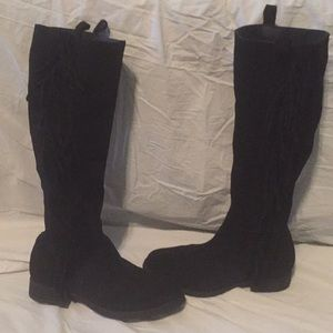 Gorgeous fringe suede Steve Madden tall boots